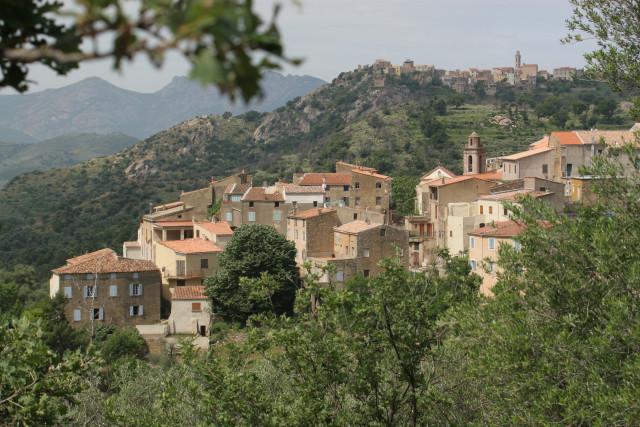14-photos-villages-montemaggiorearriereplan-cassano1erplancccb-001-7998
